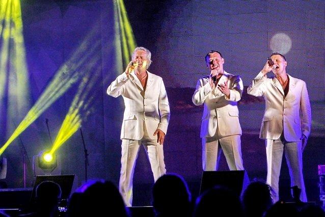 Концерт кращих в Україні виконавців авторської пісні та поп-класики тріо «S-Klass» пройшов за підтримки Геннадія Корбана, фото-26