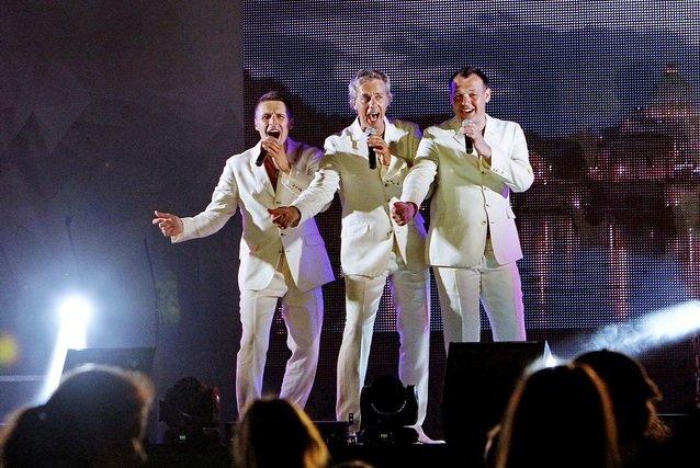 Концерт кращих в Україні виконавців авторської пісні та поп-класики тріо «S-Klass» пройшов за підтримки Геннадія Корбана, фото-1