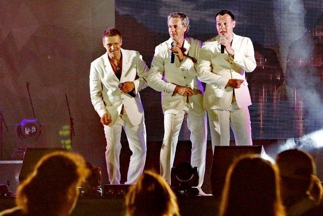 Концерт кращих в Україні виконавців авторської пісні та поп-класики тріо «S-Klass» пройшов за підтримки Геннадія Корбана, фото-27