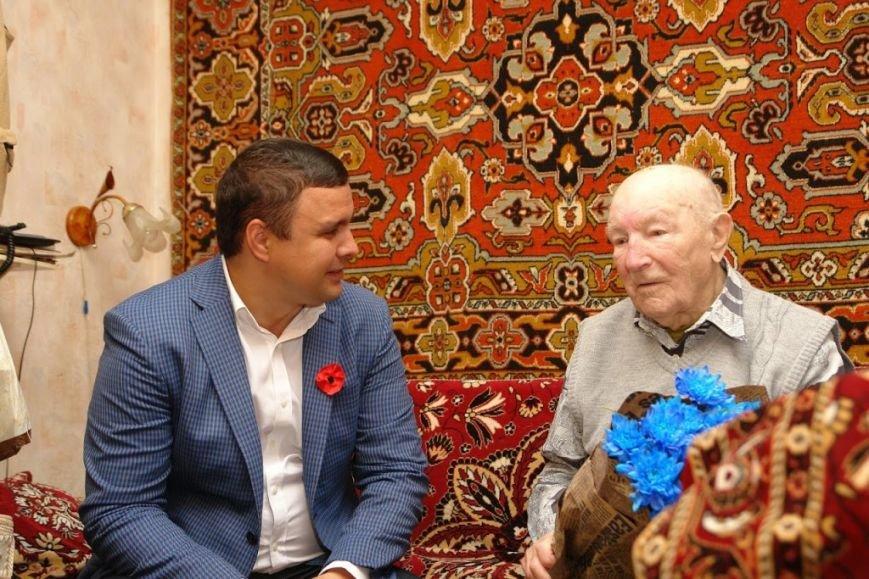 Максим Микитась з нагоди Дня Перемоги подарунками привітав ветеранів міста та області, фото-8