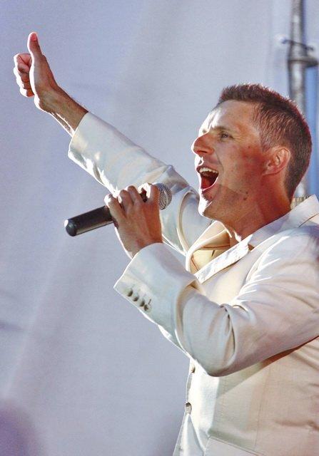 Концерт кращих в Україні виконавців авторської пісні та поп-класики тріо «S-Klass» пройшов за підтримки Геннадія Корбана, фото-7