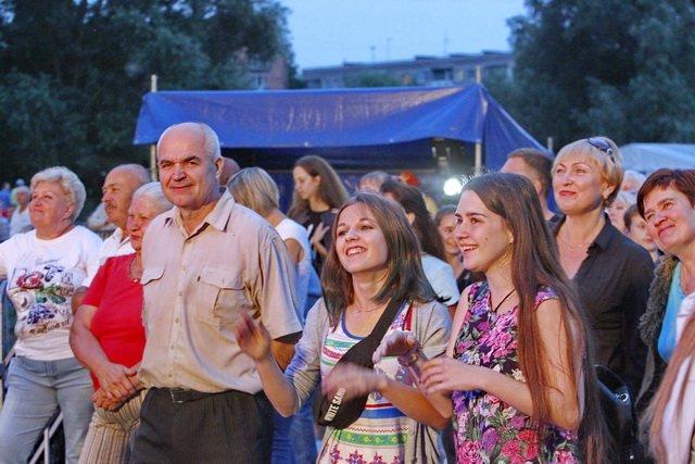 Концерт кращих в Україні виконавців авторської пісні та поп-класики тріо «S-Klass» пройшов за підтримки Геннадія Корбана, фото-11