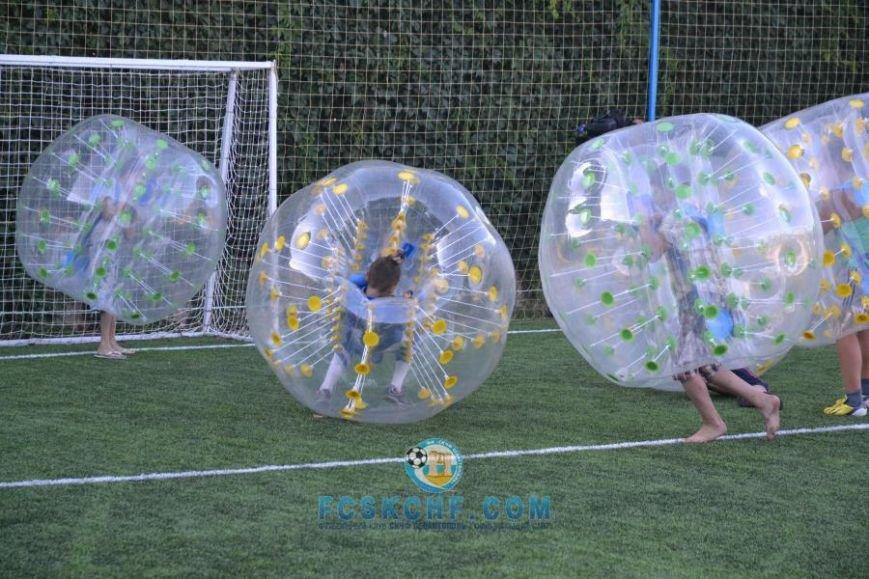 В Севастополе провели матчи по футболу в шарах (ФОТО, ВИДЕО) (фото) - фото 1