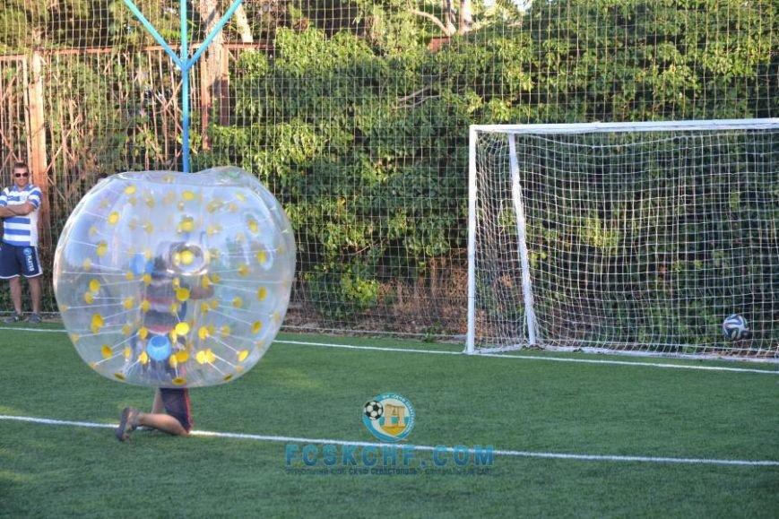 В Севастополе провели матчи по футболу в шарах (ФОТО, ВИДЕО) (фото) - фото 4