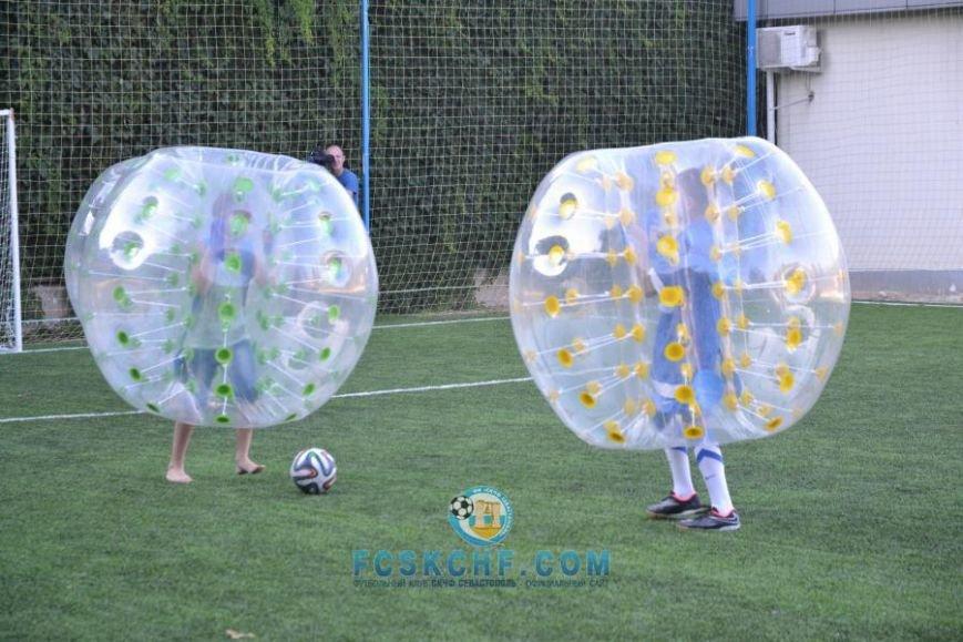 В Севастополе провели матчи по футболу в шарах (ФОТО, ВИДЕО) (фото) - фото 3