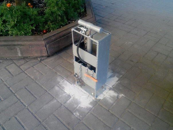 В центрі Івано-Франківська встановили вело-СТО (ФОТО) (фото) - фото 3