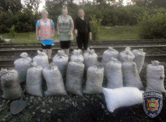 Двум красноармейчанкам не удалось похитить полтонны антрацита (фото) - фото 1