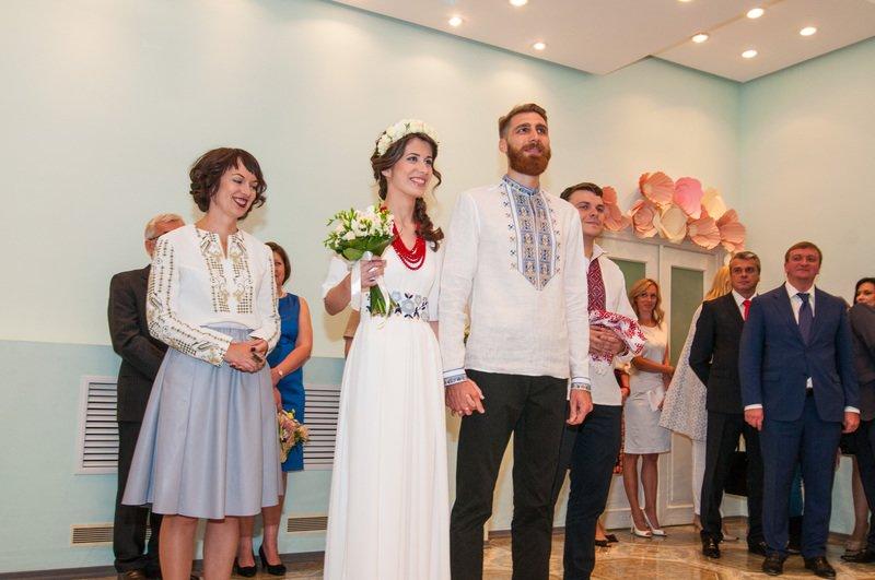 На Днепропетровщине первая в Украине пара поженилась онлайн (фото) - фото 1