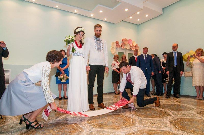 На Днепропетровщине первая в Украине пара поженилась онлайн (фото) - фото 2