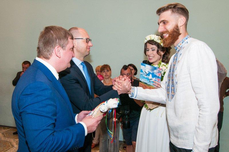 На Днепропетровщине первая в Украине пара поженилась онлайн (фото) - фото 5