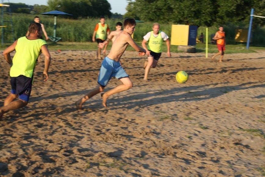 У Конотопі на змаганнях з пляжного футболу перемогла команда вулиці Лісового(ФОТО), фото-4