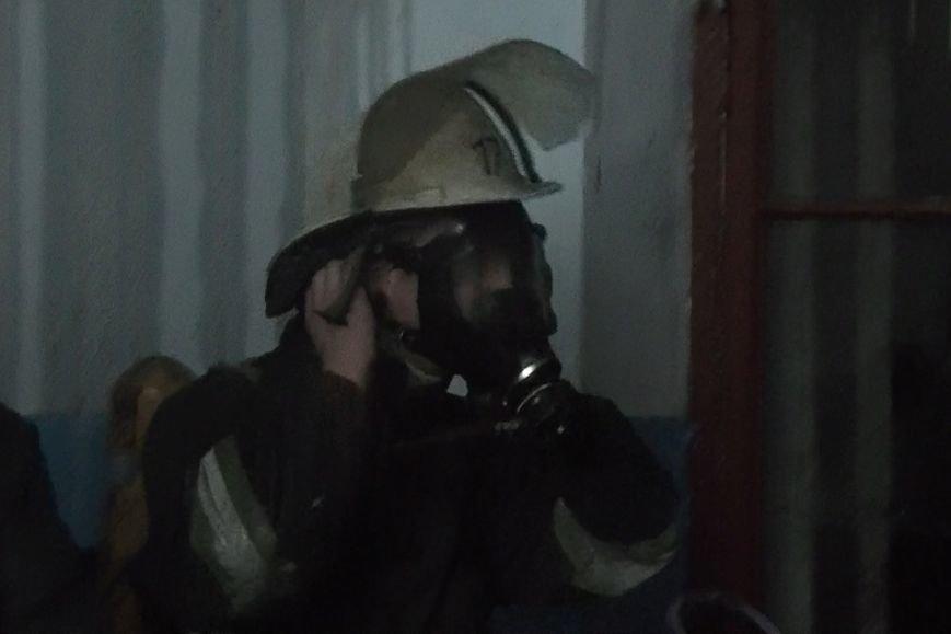 В Ценре Харькова полыхала четырехэтажка старой застройки (ФОТО), фото-2