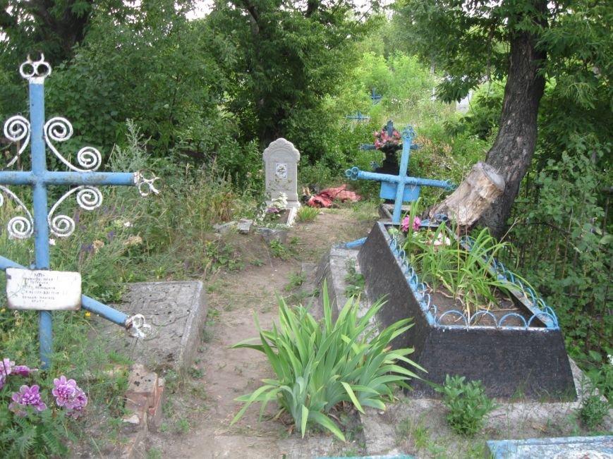 «Праздник» на кладбище в Красноармейском районе закончился убийством, фото-2