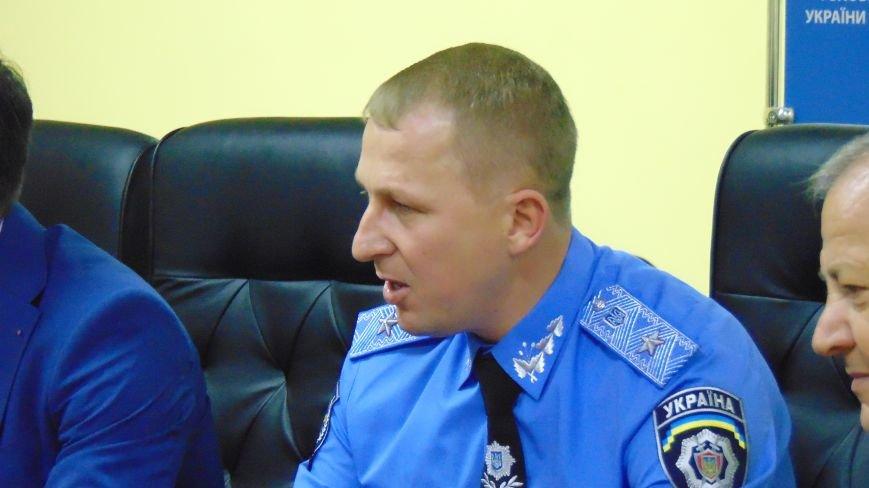 Мариуполю с шутками представили нового начальника милиции (фото) - фото 3