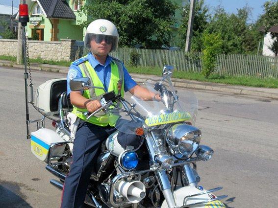 Прикарпатське ДАІ виконує службу на мотоциклах (ФОТО) (фото) - фото 1