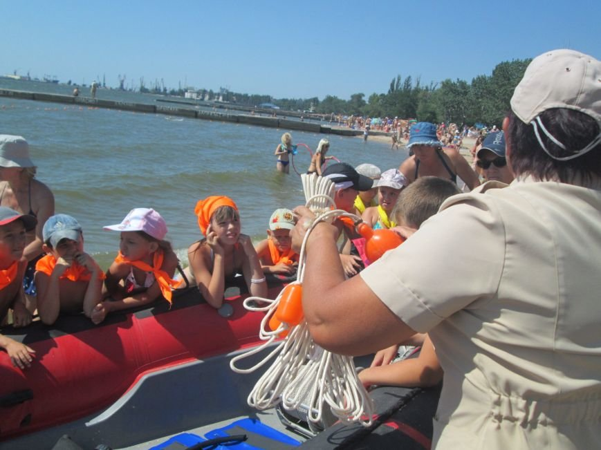 Мариупольские дети праздновали день защиты дельфинов и безопасности (ФОТО), фото-11