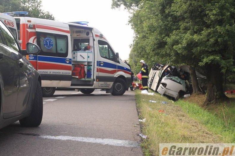 У ДТП за участю прикарпатського автобуса загинуло 5 людей (ФОТО) (фото) - фото 10