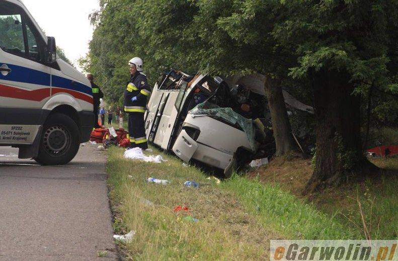 У ДТП за участю прикарпатського автобуса загинуло 5 людей (ФОТО) (фото) - фото 8