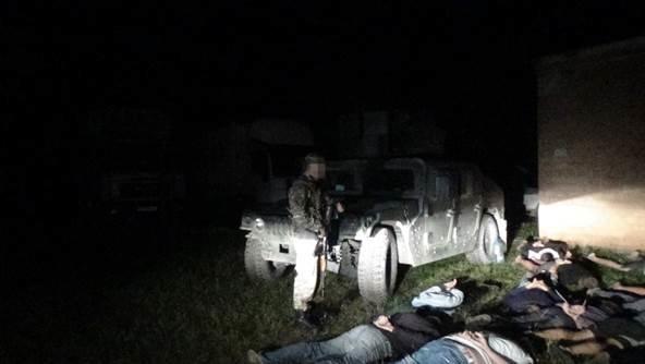 В районе Мариуполя задержаны грузовики с продуктами для «ДНР» (ФОТО+ВИДЕО) (фото) - фото 1