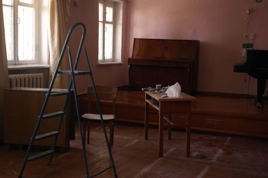 Красноармейскую музыкальную школу ремонтируют родители, а не власть, фото-1