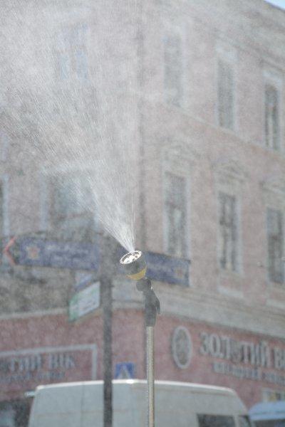 У Чернівцях у спекотні дні працюватиме розпилювачі, фото-1