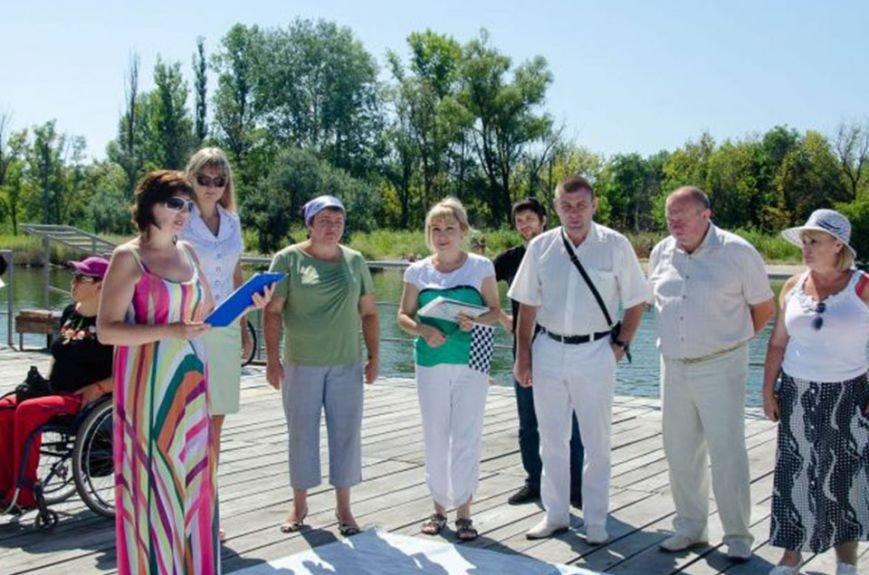 На Славянском курорте состоялись соревнования пловцов-инвалидов (фото) - фото 3