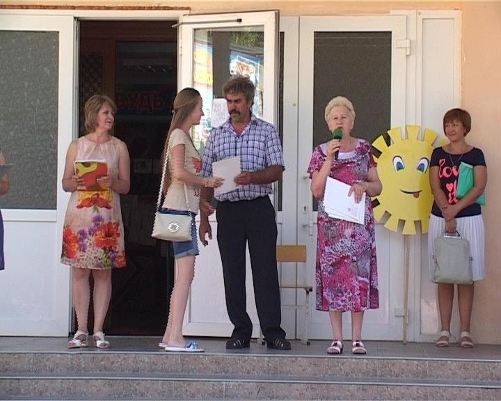 Армавирские школьники собирают кабачки и посещают аквапарк (фото) - фото 1