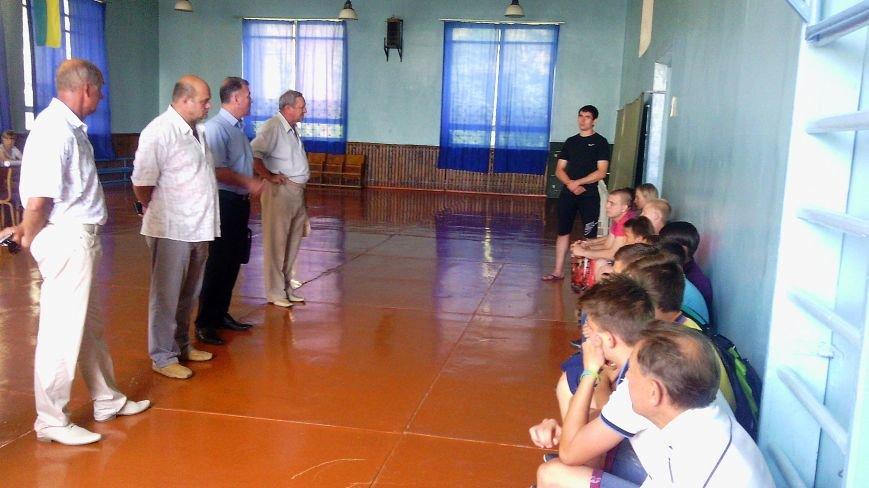В помещении ДЮСШ Красноармейска работала выездная приемная комиссия училища олимпийского резерва, фото-1