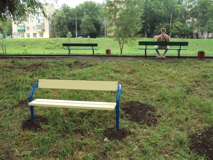 Конкретный результат: в Марьиной роще появились дорожки, лавочки, а также детская и спортивная площадка (фото) - фото 4