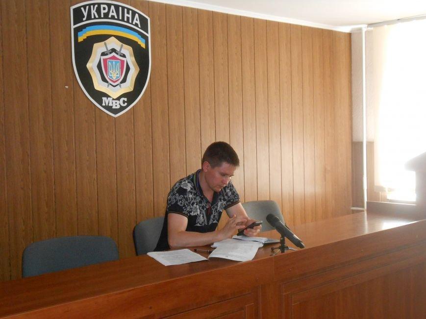 В Днепродзержинске женщина сумела дать отпор преступнику, вооруженному ножом (фото) - фото 1