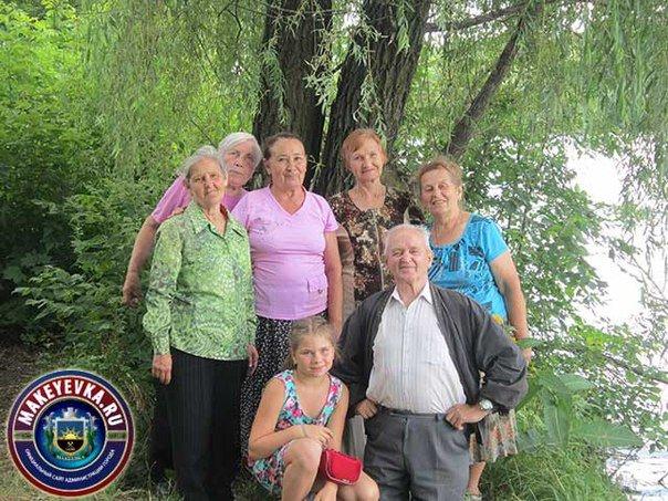«Не хуже заморских курортов!» - ветераны Макеевки побывали в Донецком ботаническом саду (фото) - фото 1