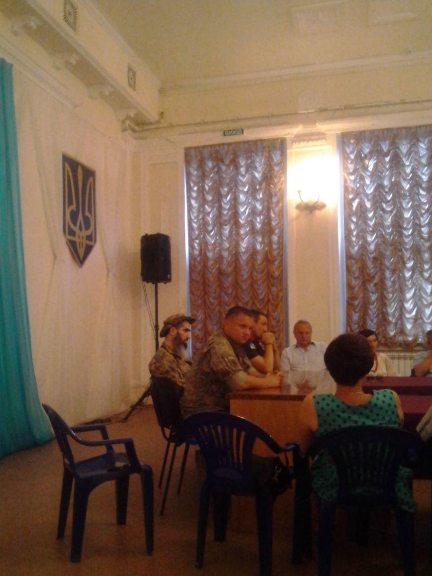 «Правый сектор» предлагает мариупольцам пригласить Порошенко (ФОТО), фото-2
