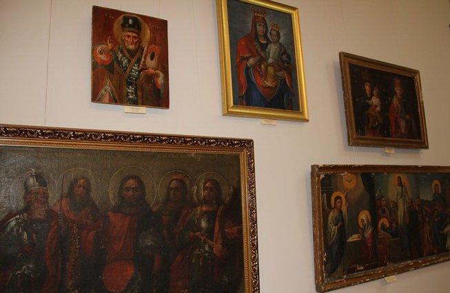 Хмельницький колекціонер представив унікальну виставку народного іконопису у Вінниці (ФОТО) (фото) - фото 3