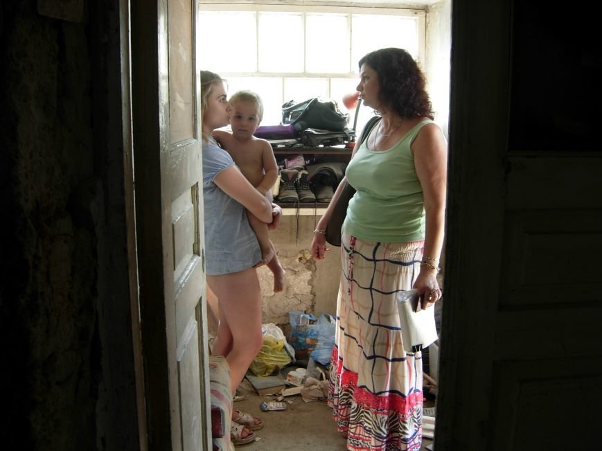 В Николаеве соцслужбы забрали у горе-матери детей (ФОТО) (фото) - фото 4