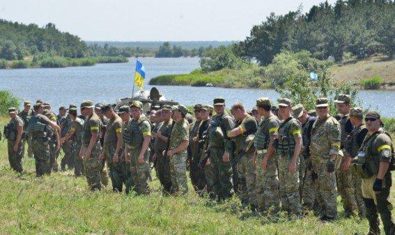 Под Мариуполем новосозданный батальон милиции вышел на полигон (ФОТОРЕПОРТАЖ) (фото) - фото 1
