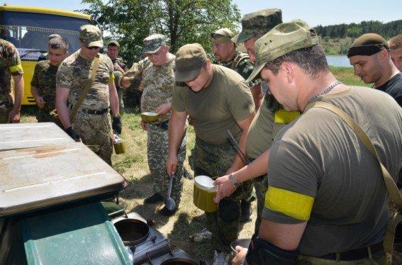 Под Мариуполем новосозданный батальон милиции вышел на полигон (ФОТОРЕПОРТАЖ) (фото) - фото 3
