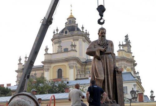 У Львові встановили пам'ятник Митрополиту Андрею Шептицькому (фото) - фото 4