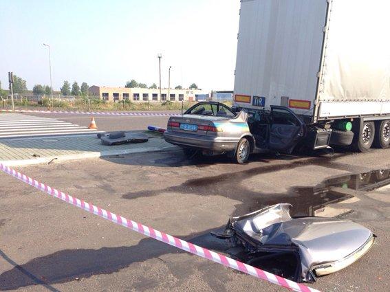 На Рівненщині в ДТП потрапив патрульний автомобіль ДАІ (ФОТО) (фото) - фото 1