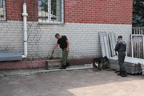 В Чернигове телефонный террорист «заминировал» три здания, фото-2