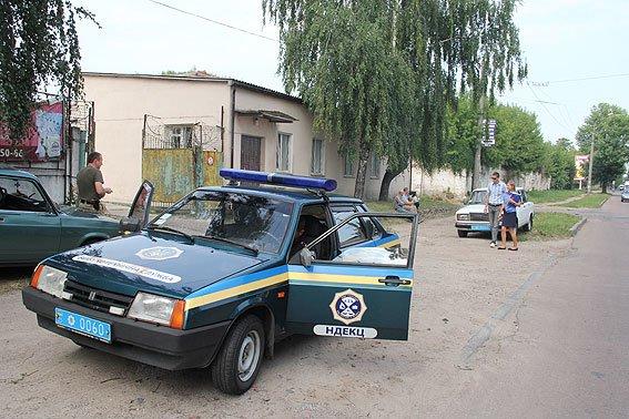 В Чернигове телефонный террорист «заминировал» три здания, фото-3