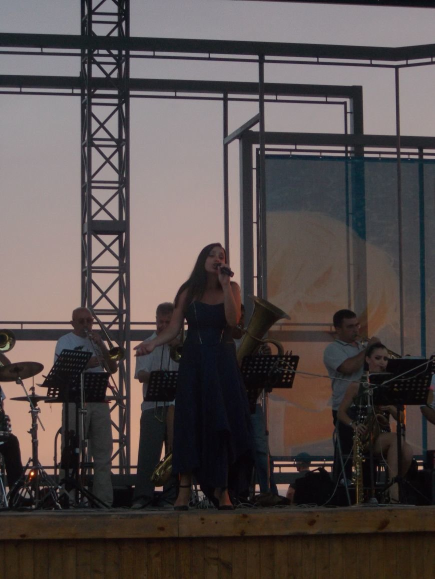 В Бердянске состоялся концерт оркестра «Азовская чайка» (фото) - фото 2