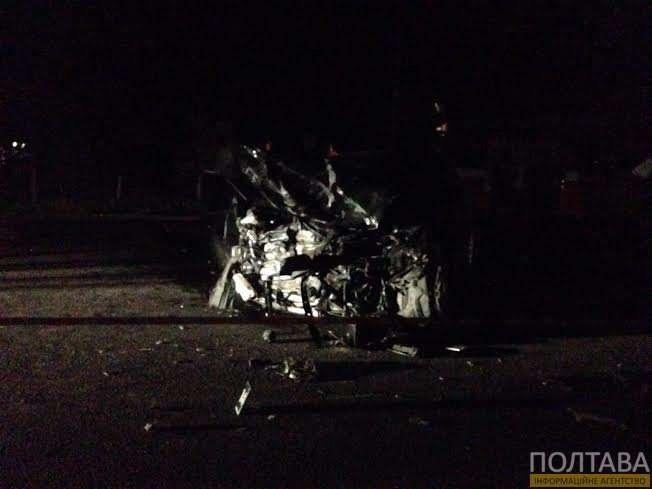 В  ДТП под Полтавой 2 человека погибли, 4 получили травмы, в том числе и глава Конституционного суда Украины (ФОТО) (фото) - фото 1