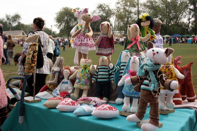 Днепродзержинцы смогут посетить этнофестиваль «Петриковский дивоцвет» (фото) - фото 3