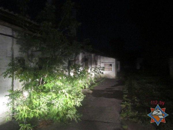 В центре Гродно горел дом с двумя бомжами (фото) - фото 4