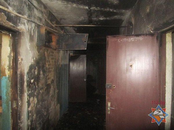 В центре Гродно горел дом с двумя бомжами (фото) - фото 3