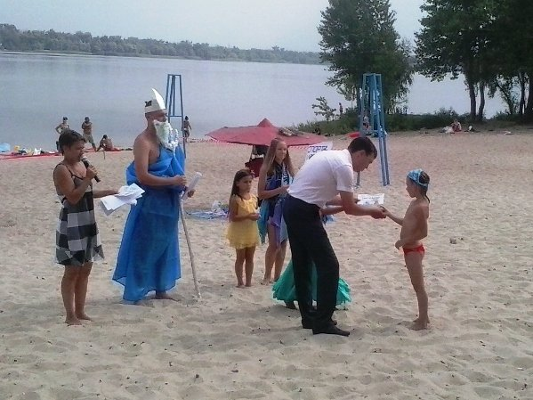 В Днепродзержинске завершилось ежегодное мероприятие «Я умею плавать» (фото) - фото 1