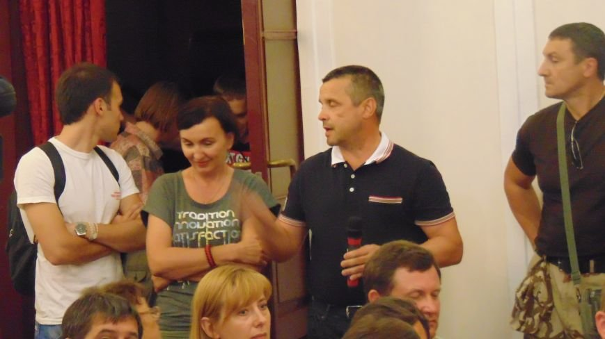 Выслушав руководителя сектора «М» активисты продолжили звать президента в Мариуполь для  расстановки точек над i (ФОТО)) (фото) - фото 3