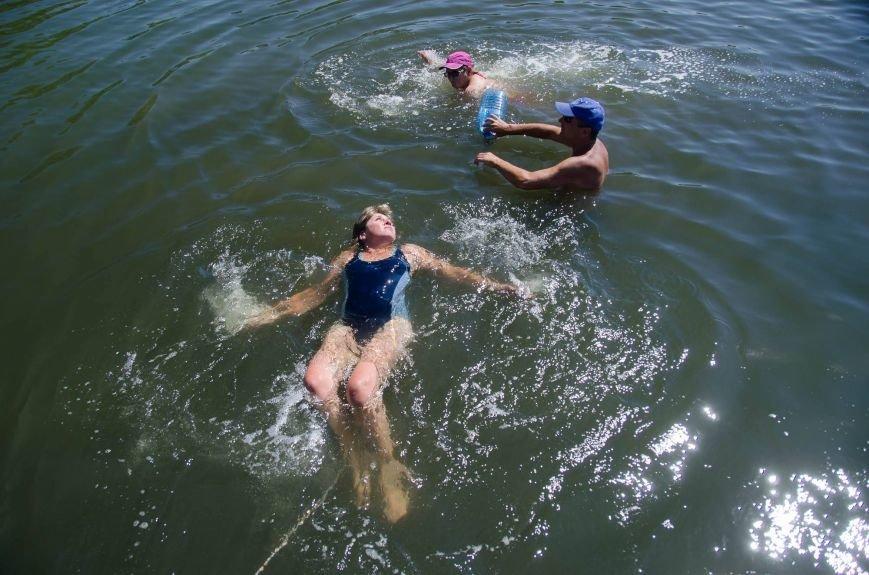 На озере Рапное краматорские инвалиды соревновались в плавании (ФОТО), фото-3