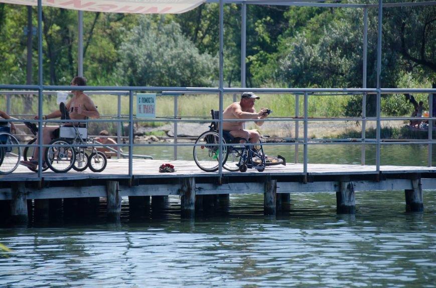 На озере Рапное краматорские инвалиды соревновались в плавании (ФОТО), фото-19