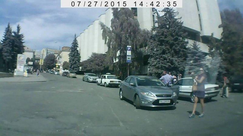 """Авто тернопільського міського голови стало """"героєм"""" (фото) (фото) - фото 1"""